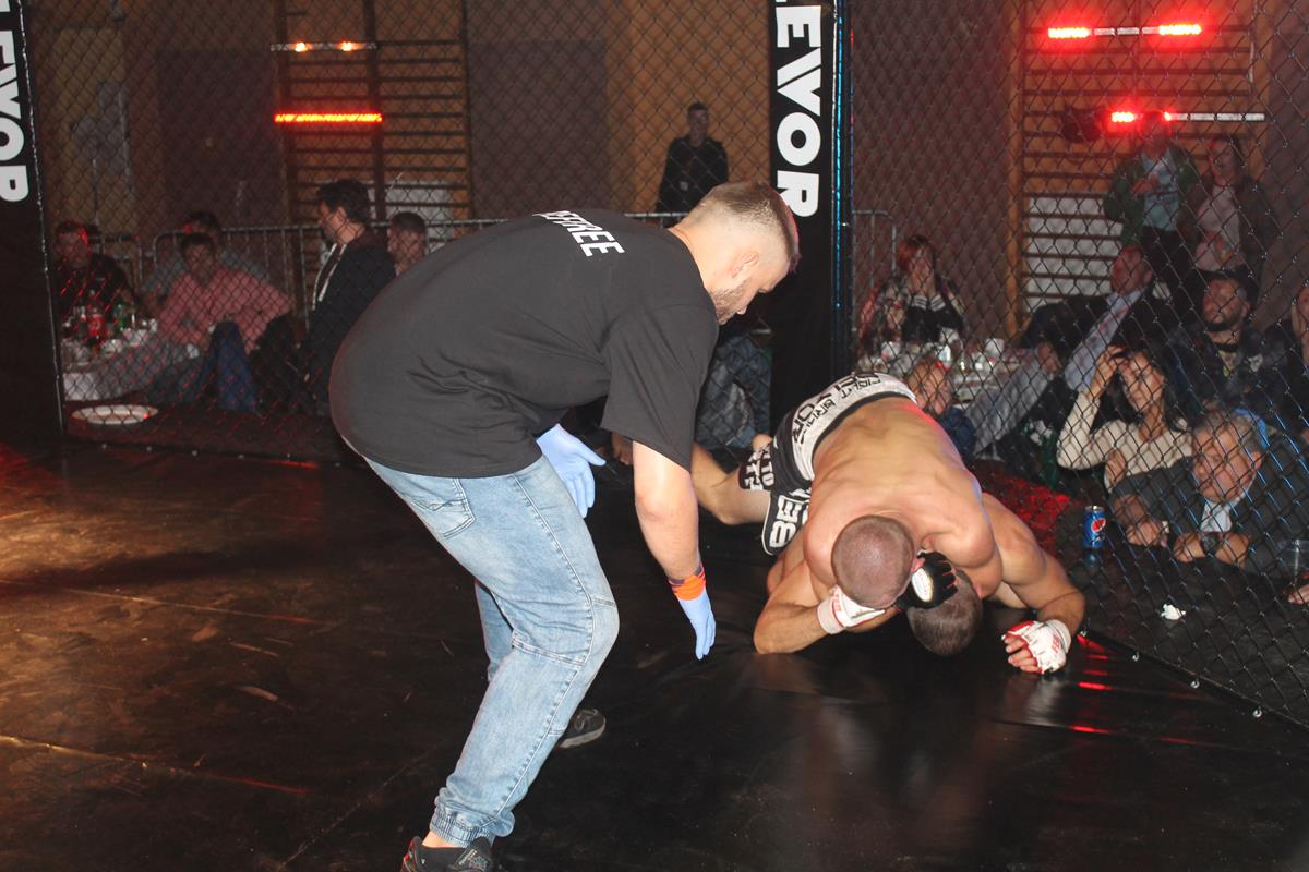 WLC2 Bloody Revenge Marian Strus vs Adrian Bober (33) (Copy)