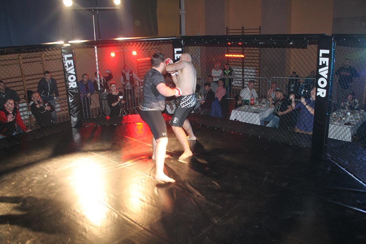 WLC2 Bloody Revenge Sławomir Sałek vs Radosław Kostrubiec (10) (Copy)